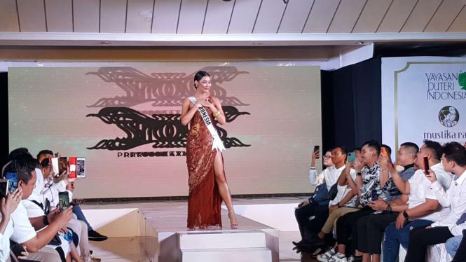 Frederika Alexis Cull siap melaju ke ajang Miss Universe