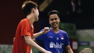Lee Cheuk Yiu dan Anthony Ginting.