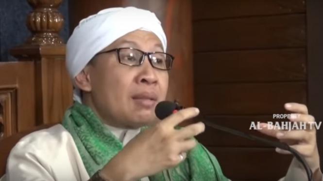 Yahya Zainul Maarif atau lebih akrab disapa Buya Yahya.