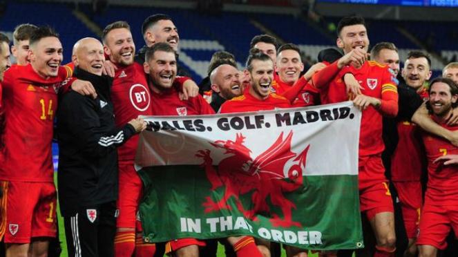 Gareth Bale saat merayakan kelolosan Wales ke Piala Eropa 2020