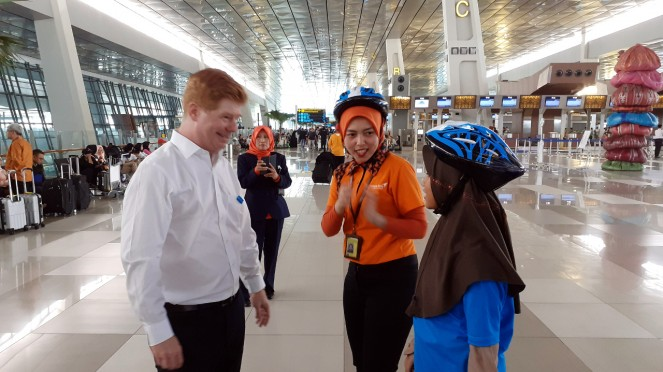 Anak-anak SD latihan jadi petugas Bandara Soekarno-Hatta