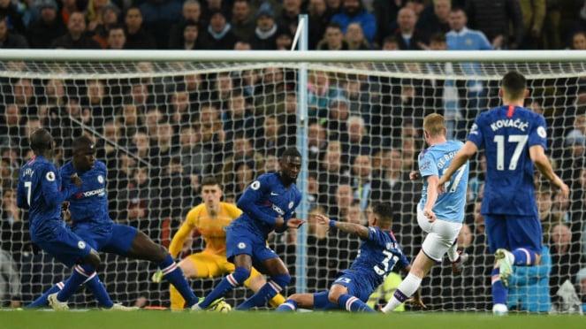 Gelandang Manchester City, Kevin De Bruyne, saat cetak gol ke gawang Chelsea