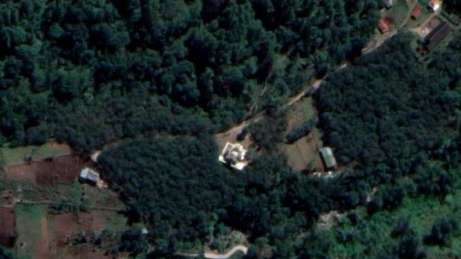 Penampakan masjid di tengah hutan Desa Bantole, Kecamatan Banolempangan, Gowa