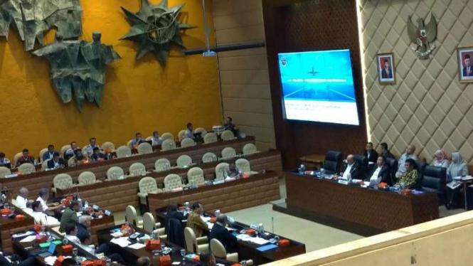 Suasana rapat Kementerian Perhubungan dengan Komisi V DPR.