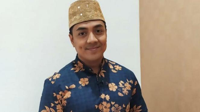 Ustad Riza Muhammad.