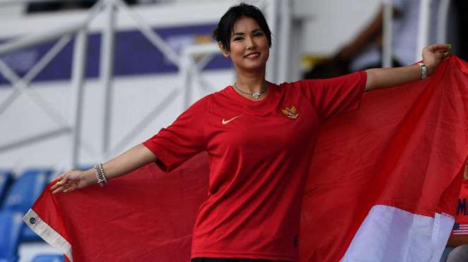 Maria Ozawa mendukung Timnas Indonesia