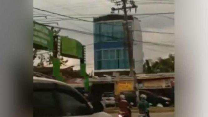 Gempar, Muncul Suara Aneh di Langit Kota Makassar