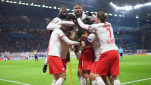 https://thumb.viva.co.id/media/frontend/thumbs3/2019/11/28/5ddef7d2cd96d-pemain-rb-leipzig-rayakan-gol_151_85.jpg