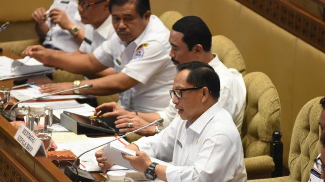 Mendagri Tito Karnavian saat Rapat Dengan Komisi II DPR. (Foto ilustrasi)
