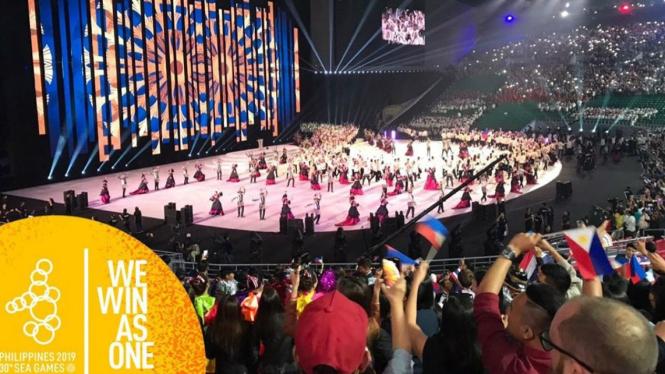 Kemeriahan upacara pembukaan SEA Games 2019 di Philippine Arena, Filipina