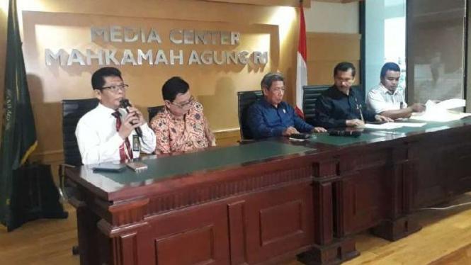 Konferensi pers pembunuhan Hakim Jamaluddin di Medan, Sumatera Utara.