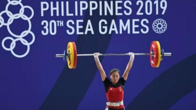 Atlet angkat besi Indonesia Windy Cantika Aisah