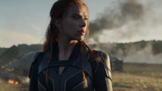Scarlett Johansson sebagai Black Widow.