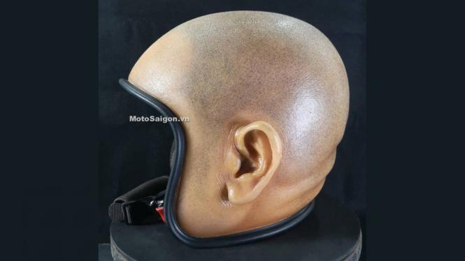 Helm unik berbentuk kepala plontos