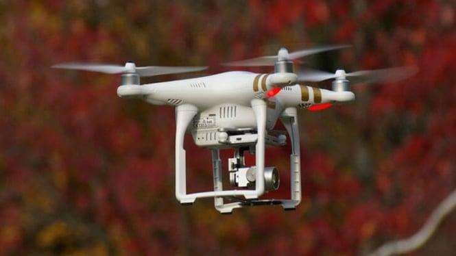 Menerbangkan Drone di Singapura