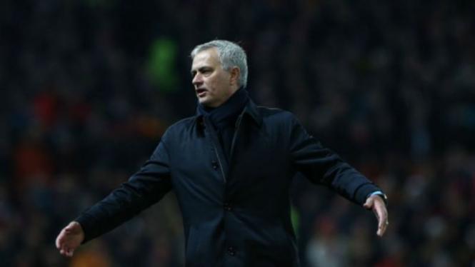 Manajer Tottenham Hotspur, Jose Mourinho, di laga melawan MU
