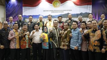 Dirjen PSP Kementan mengumpulkan 14 Kabupaten untuk mendapatkan komitmen dalam pertemuan nasional di Bali, Kamis (5/12).