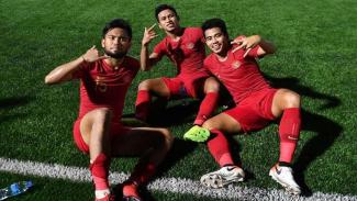 Para pemain Timnas Indonesia U-22 merayakan kemenangan atas Laos