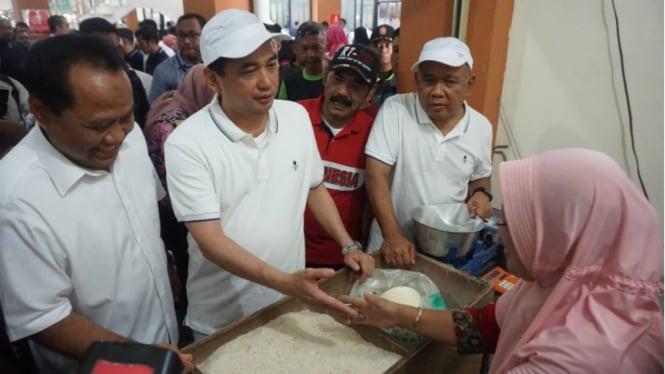 Menteri Perdagangan, Agus Suparmanto, di pasar tradisional Solo