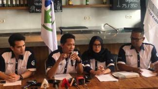 Ikatan Awak Kabin Garuda Indonesia (IKAGI) memberikan keterangan pers.