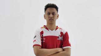 https://thumb.viva.co.id/media/frontend/thumbs3/2019/12/07/5deb0ce55c043-juara-dunia-esports-dari-indonesia-mengapa-saya-cuti-kuliah-untuk-bermain-gim-menangkan-rp2-5-miliar_325_183.jpg