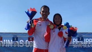 Atlet modern pentathlon Indonesia, Dea Salsabila Putri (kanan)