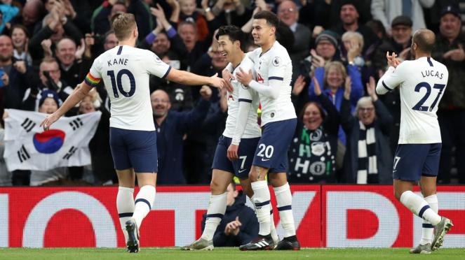 Selebrasi para pemain Tottenham Hotspur.