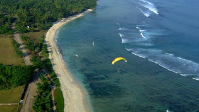 obyek wisata pantai krui
