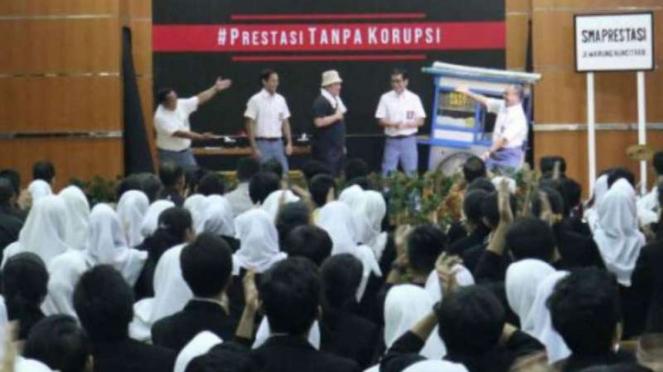 Tiga menteri adu acting dalam peringatan Hari Antikorupsi se-Dunia.
