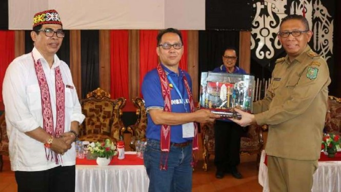 Gubernur Kalimantan Barat H. Sutarmidji dan Dayak National Union Sarawak.