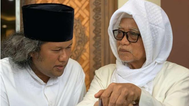 Gus Muwafiq sowan ke Pesantren Lirboyo, Kediri