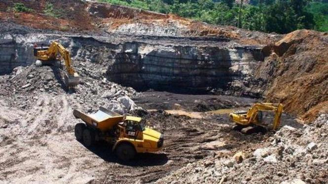 akibat dari penambangan batu bara secara terus menerus.