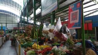 Pedagang di Pasar Oro-oro Dowo Malang layani pembayaran non tunai aplikasi