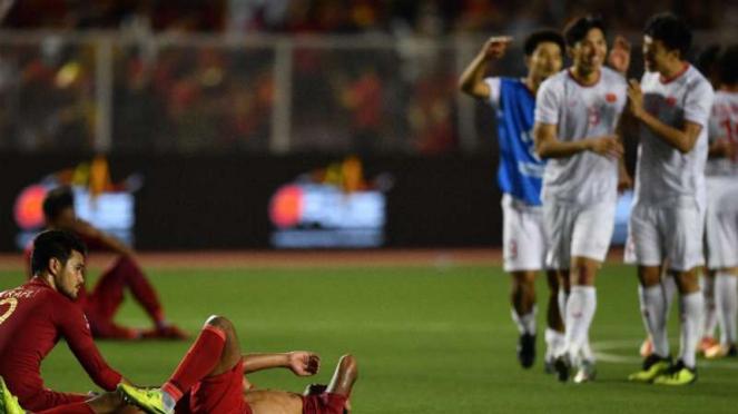 Pemain Vietnam rayakan kemenangan atas Timnas Indonesia U-22.