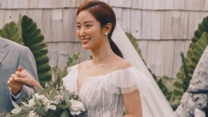 Jeon Hye Bin menikah di Bali.