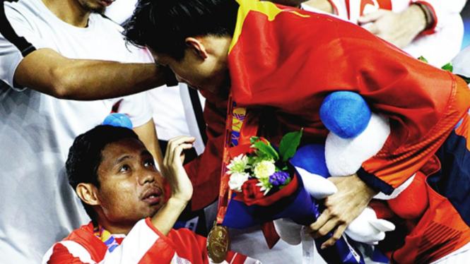 Bek Vietnam, Doan Van Hau minta maaf telah mencederai Evan Dimas