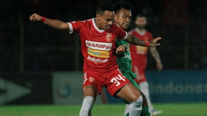 Duel Badak Lampung vs Bhayangkara