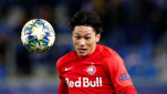 https://thumb.viva.co.id/media/frontend/thumbs3/2019/12/13/5df2d60a614d3-pemain-red-bull-salzburg-takumi-minamino_151_85.jpg