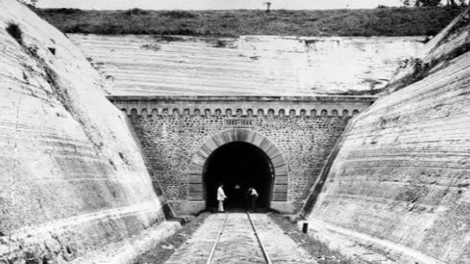 Terowongan kereta api ijo