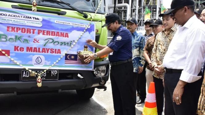PSP Kementan lepas ekspor perdana pupuk cair organik ke Malaysia.