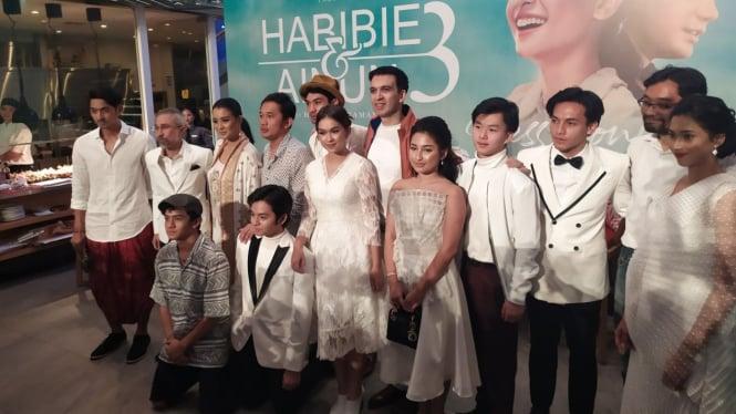 Cast film Habibie dan Ainun 3.