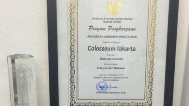 Reaksi Warganet Anies Beri Penghargaan untuk Diskotek Colosseum