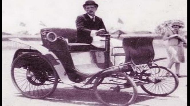 Orang pertama Indonesia yang memiliki mobil