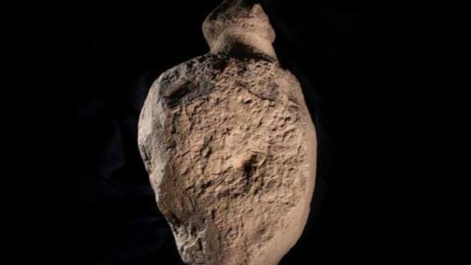 Batu Misterius Berbentuk Manusia