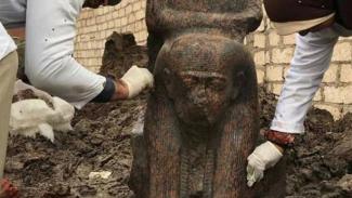Patung Firaun Ramesses II