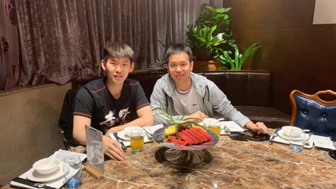 Liu Yuchen bersama Hendra Setiawan