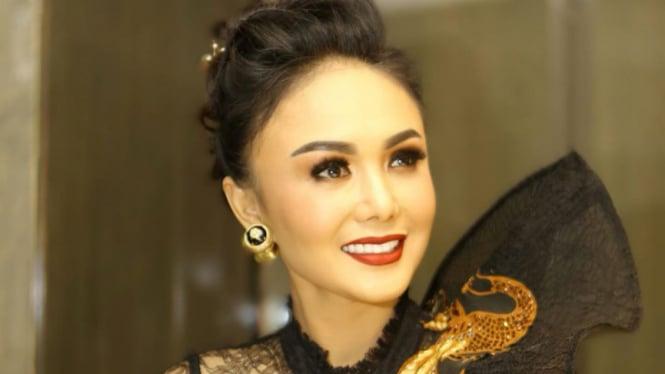 Yuni Shara.