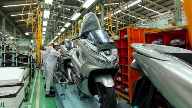 Proses produksi PCX 150 di pabrik PT Astra Honda Motor