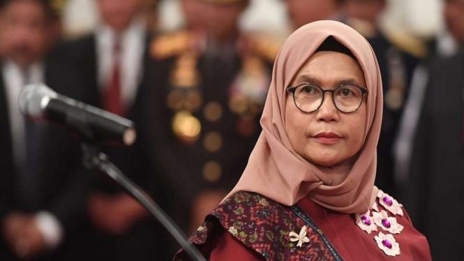 Wakil Ketua KPK Lili Pintauli Siregar mengikuti upacara pelantikan Pimpinan KPK