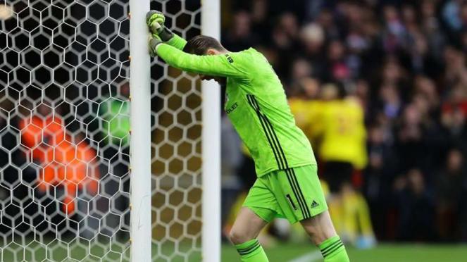 Ekspresi kecewa kiper Manchester United, David De Gea, usai melakukan blunder